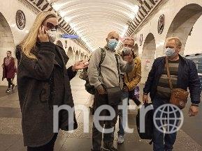 """Как в Петербурге соблюдают масочный режим в метро. Фото Святослав Акимов., """"Metro"""""""