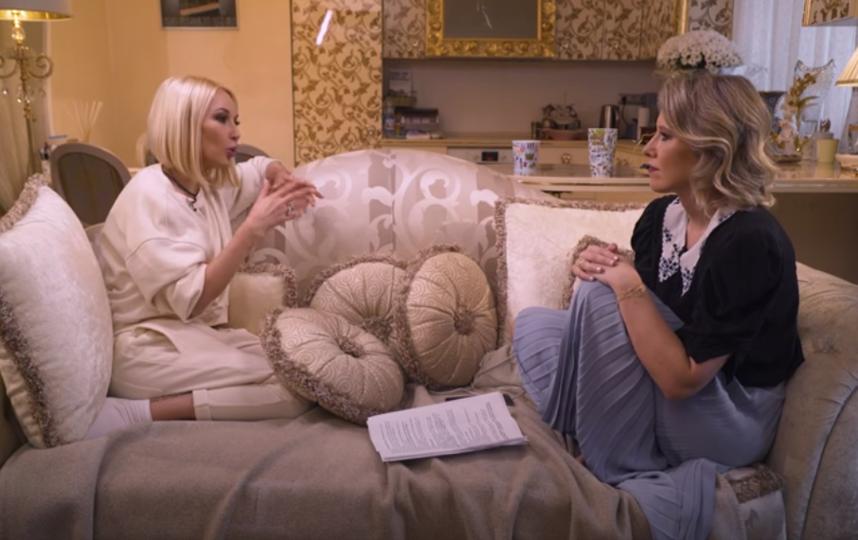 Ксения Собчак делает неприлизанные интервью со знаменитостями. Фото Скриншот Youtube