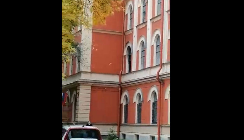 Пожар был на втором этаже. Фото https://vk.com/spb_today, vk.com