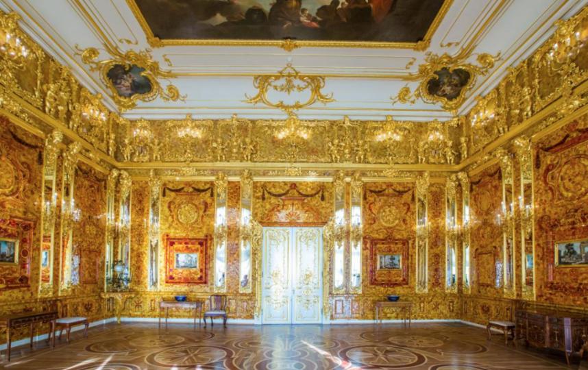 """Восстановленная янтарная комната в Екатерининском дворце. Фото https://www.tzar.ru/, """"Metro"""""""