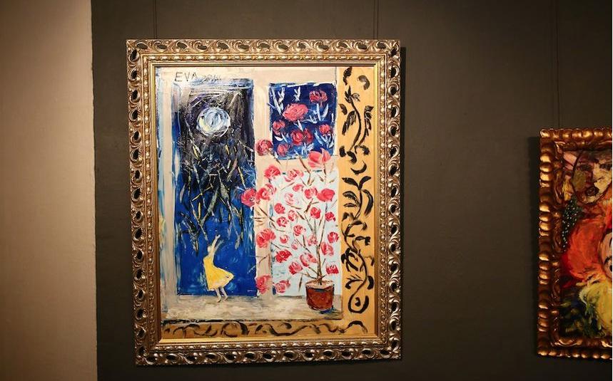 """Картины Васильевой, которые были представлены на выставке в Москве в 2014 году. Фото Андрей Свитайло, """"Metro"""""""