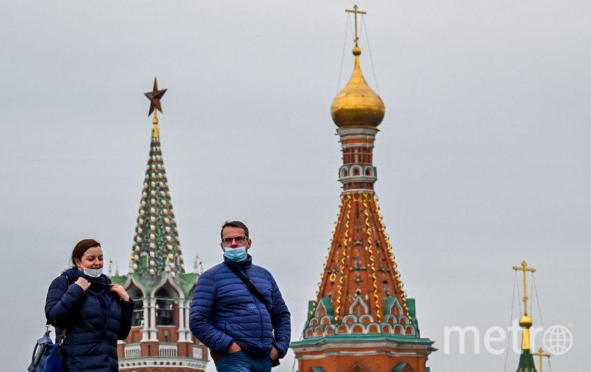 В Москве с 12 мая действует масочно-перчаточный режим. Фото AFP