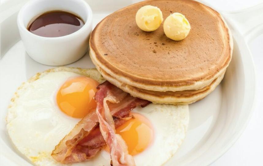Ожидание: NY завтрак. Фото скриншоты  с приложения служб доставок