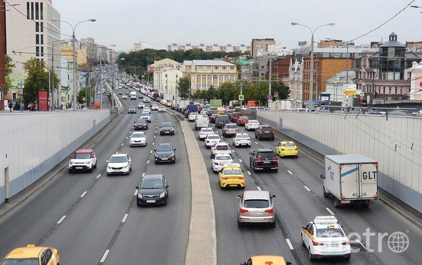 """Для ремонта дорог в Москве используются асфальтобетонные смеси, произведённые на 25 заводах. Фото Воронин Денис//агентство """"Москва"""""""
