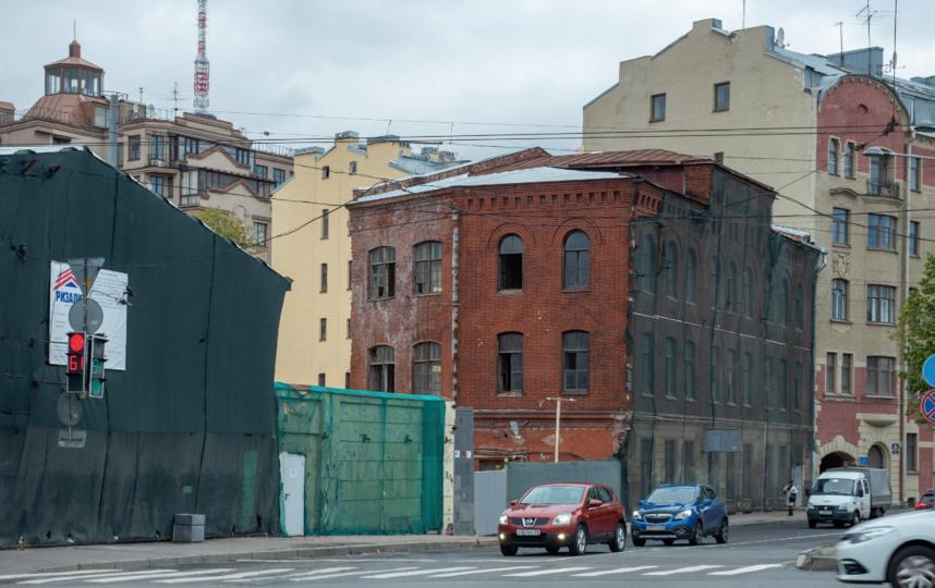 """Так выглядит участок сейчас: исторические здания на нем сохранились. Фото Святослав Акимов, """"Metro"""""""