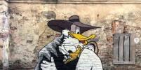 Уличный художник Слава ПТРК населил Петербург мультяшными персонажами