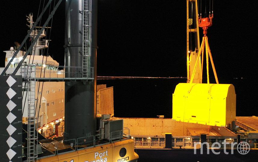 """Перегрузка магнита в порту бронка. Фото предаставлено ООО """"Бронка Групп"""""""
