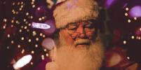 Маска вместо бороды? Новый атрибут петербургского Деда Мороза