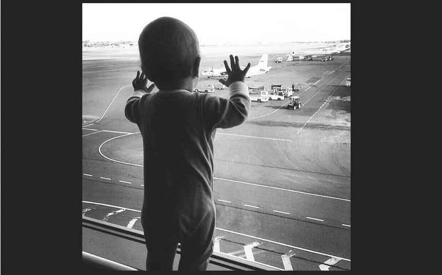 Фото Дарины выложила мама. Перед полетом в Египет.