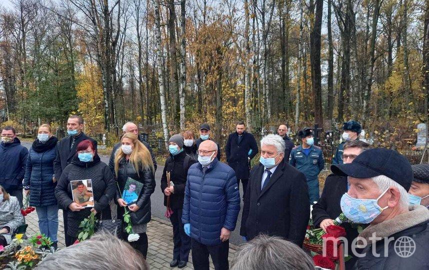 На Серафимовском мемориальном кладбище прошли памятно-траурные мероприятия. Фото gov.spb.ru.
