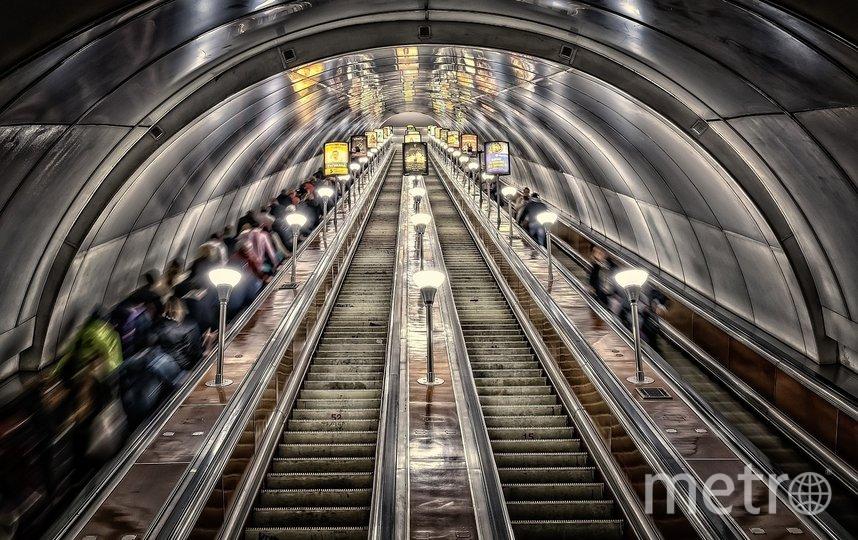 """На фоне пандемии в подземку с каждой неделей спускается меньшее количество пассажиров. Фото pixabay.com, """"Metro"""""""