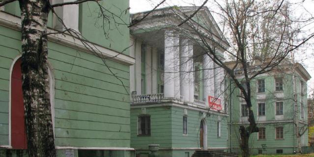Здание Медсанчасти завода им. Калинина.