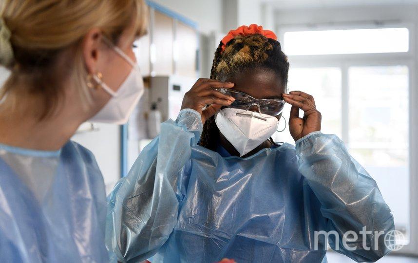 Врачи - на передовой борьбы с коронавирусом. Фото AFP
