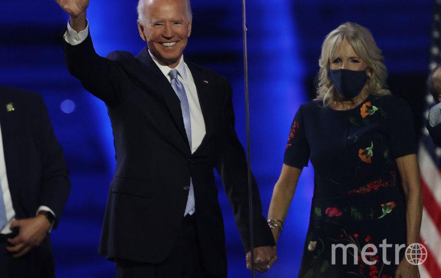 Байден выступил перед американцами. С ним рядом была жена. Фото Getty