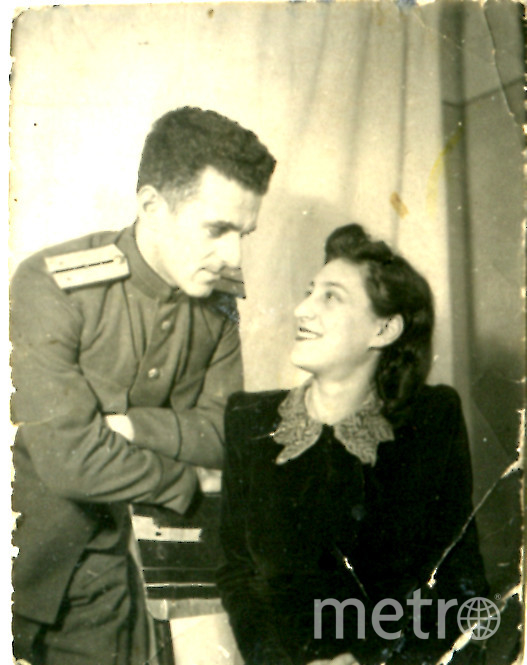 """Вера и Авраам стали родителями в марте 1943 года. Фото из личного архива Виктора Новикова, """"Metro"""""""