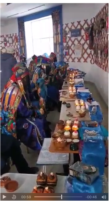 В камлании могут участвовать и женщины-шаманы. Фото vk.com/tengeri