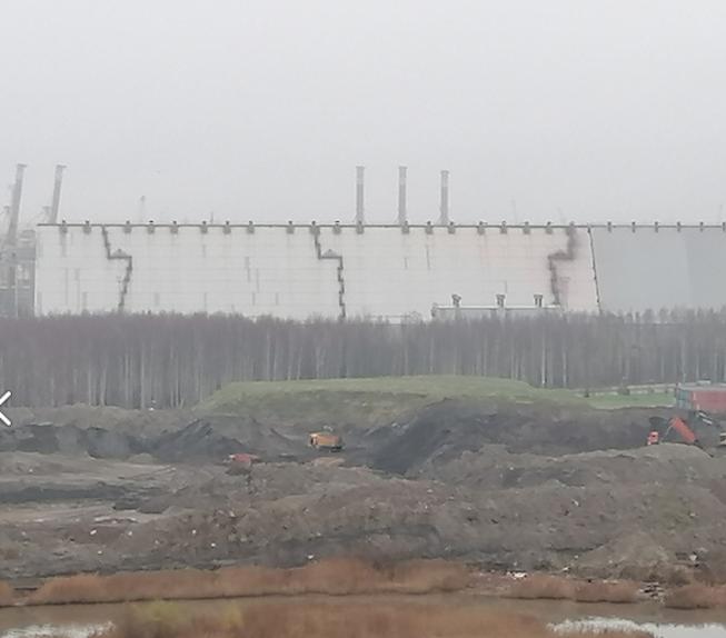 Фото сделано в ноябре, экскаватор ещё работает на свалке. Фото  предоставлено активистами #Заберег