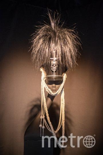 """Шляпа «Кивер» была сделана для дизайнера Александра МакКуина, о котором спустя 10 лет после его смерти Филип очень тепло вспоминает. Фото Святослав Акимов, """"Metro"""""""