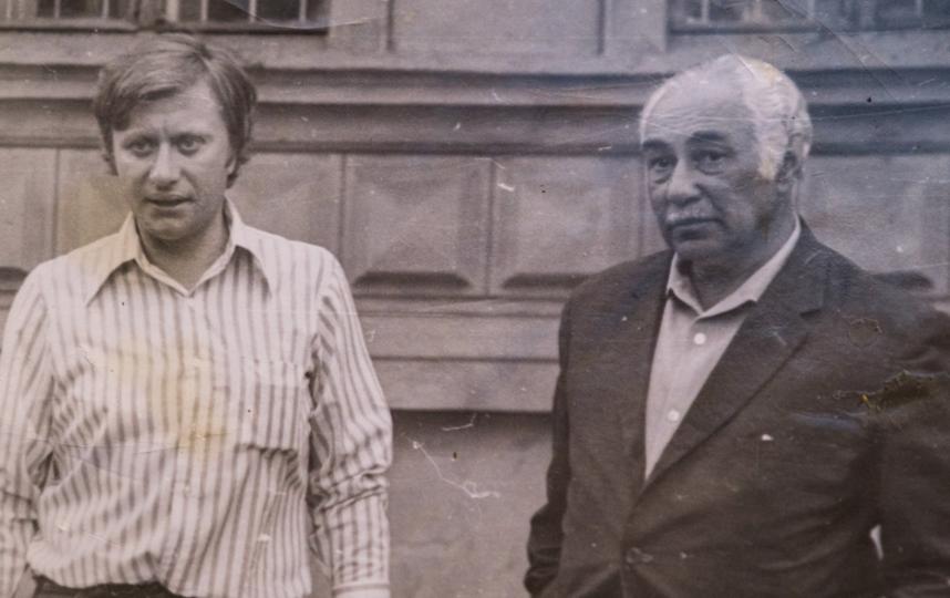 Евгений Шапиро дружил со многими актёрами. На фото – с Андреем Мироновым в период съёмок фильма «Соломенная шляпка» (1970-е гг.). Фото все фото из личного архива Татьяны Шапиро
