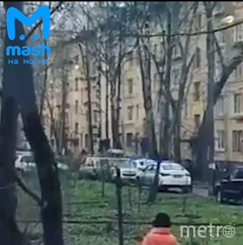 """Скриншот видео с места захвата. Фото Telegram-канал """"Mash на Мойке""""."""