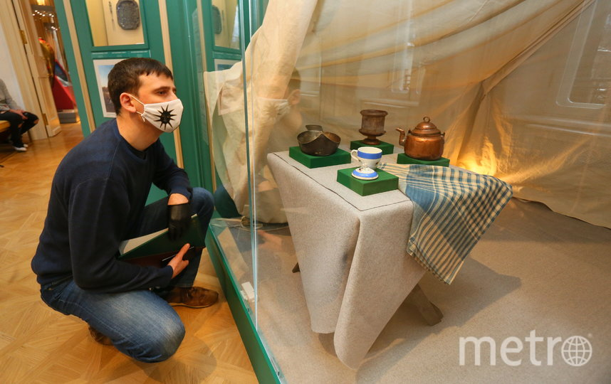 Репортёр Metro на выставке. Фото Василий Кузьмичёнок