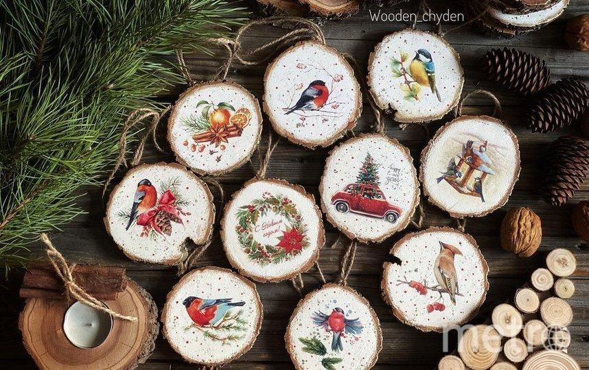 Вариант елочной игрушки. Фото instagram.com/wooden_chyden