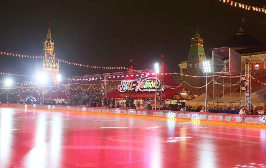 """ГУМ-Каток в будние дни с 10:00 до 14:00 работает бесплатно. Фото Василий Кузьмичёнок, """"Metro"""""""