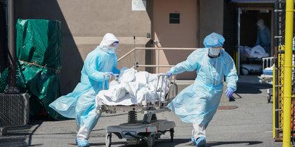 В США зафиксировали рекордную суточную смертность от COVID-19