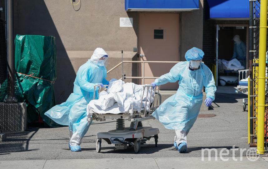 Медики во всех странах мира - на передовой борьбы с коронавирусом. Фото AFP