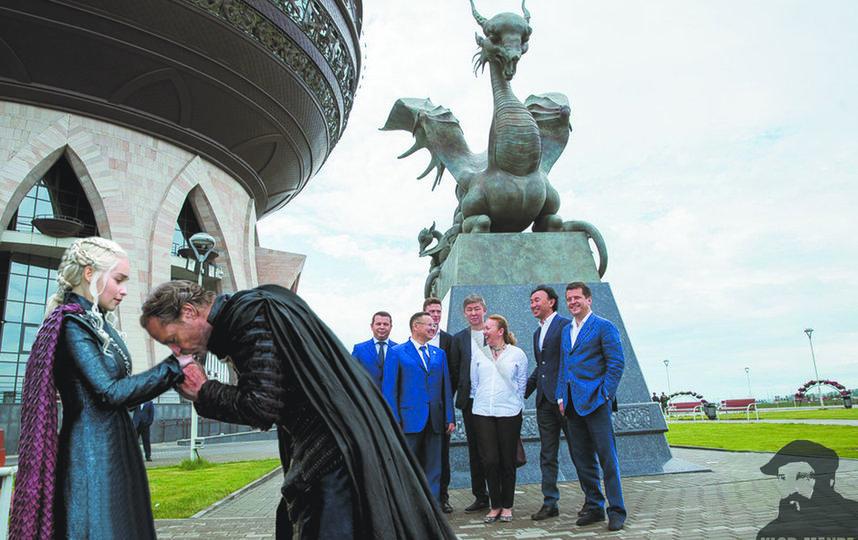 """Зилант привлёк внимание самой Матери Драконов. Фото klodmande, """"Metro"""""""
