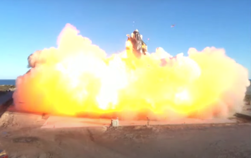 Марсианский корабль Starship Илона Маска взорвался на земле. Фото Скриншот YouTube: https://www.youtube.com/watch?v=ap-BkkrRg-o