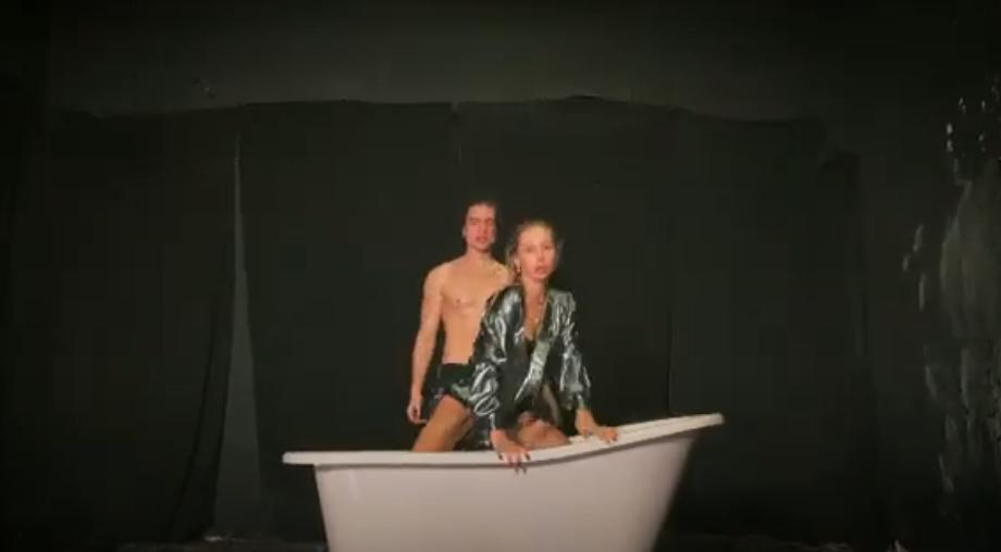Лобода и ее номер с ванной. Фото Скриншот Youtube