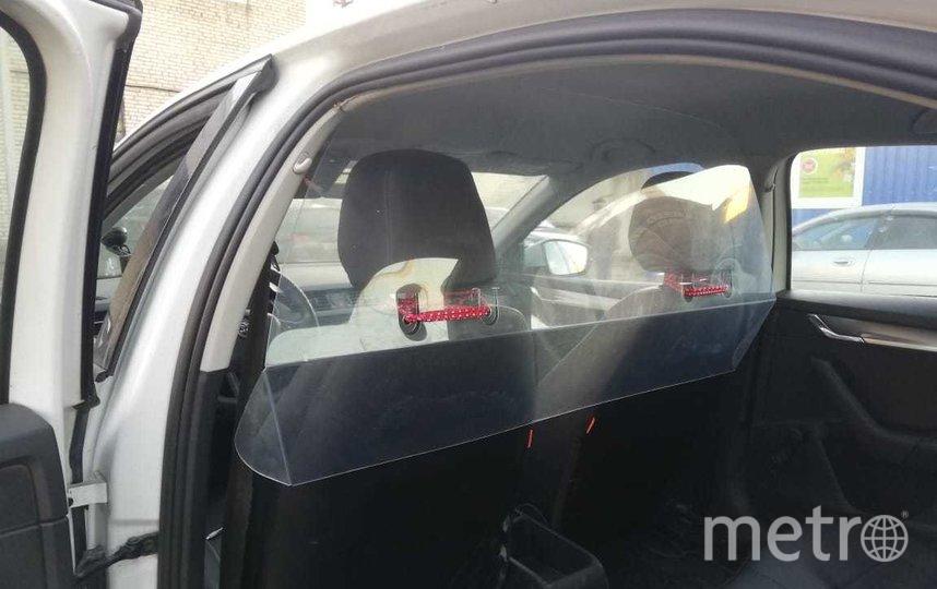 """Вот так выглядит переоборудованное такси для поездок на КТ. Фото https://vk.com/komzdravspb, """"Metro"""""""