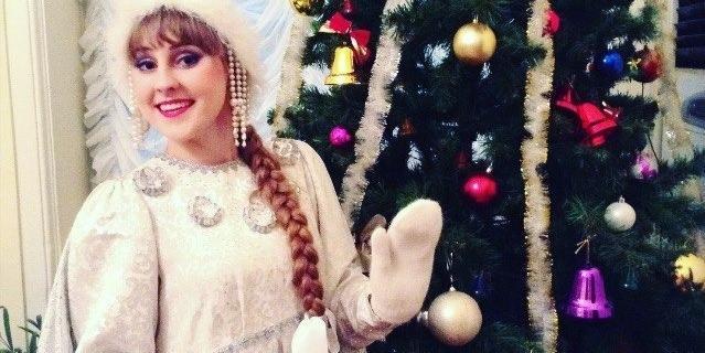 Снегурочке Веронике Ильницкой не придётся скрывать улыбку под маской.