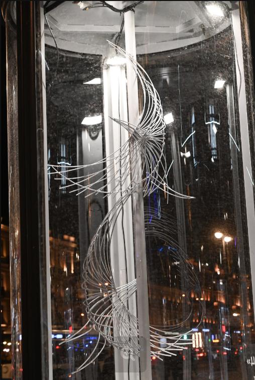 """Выставка """"Сквозь проспект"""". Фото Святослав Акимов, """"Metro"""""""