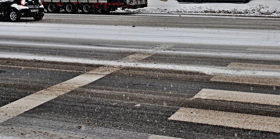 Будьте осторожны на дорогах - очень скользко. Фото pixabay.com