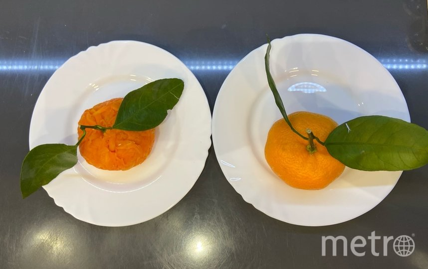 "Салат ""Мандаринка"" и настоящий мандарин. Фото Ксения Гайзлер., ""Metro"""