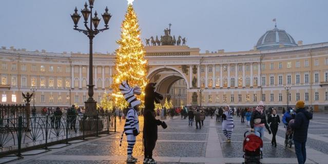 Как сейчас выглядит Дворцовая площадь.