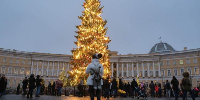 Елка на Дворцовой площади.