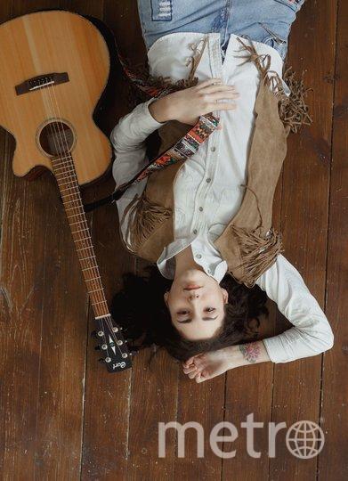 Певица Fevraliva.