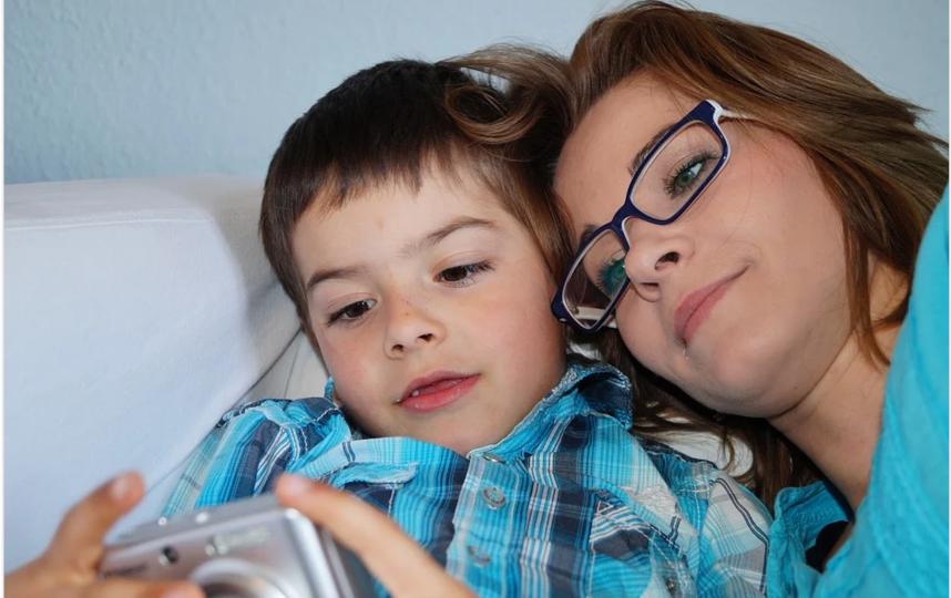 Семьи с детьми в период пандемии и изоляции сталкиваются с непростыми проблемами. Фото pixabay.com