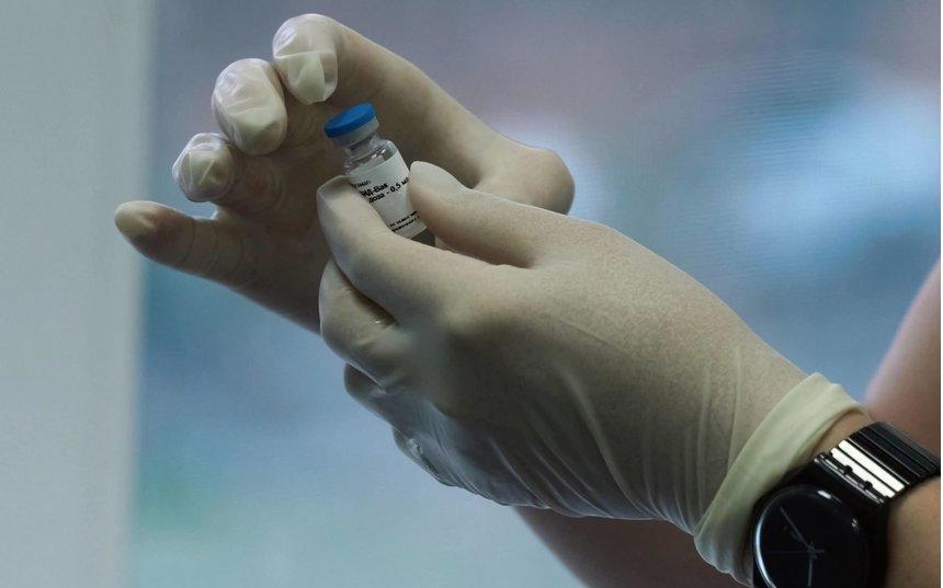 """Перед вакцинацией необходимо лишь заполнить анкету. Фото """"Metro"""""""