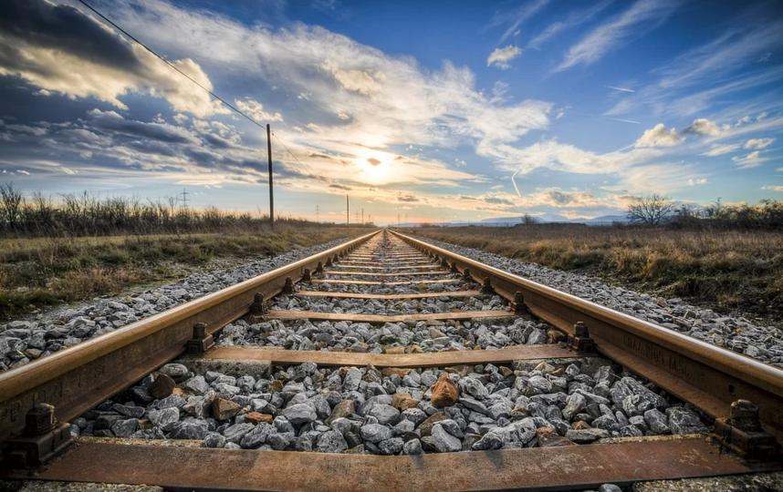 Кто любит путешествия, могут отправиться в Новый год в поездку на поезде. Фото Getty