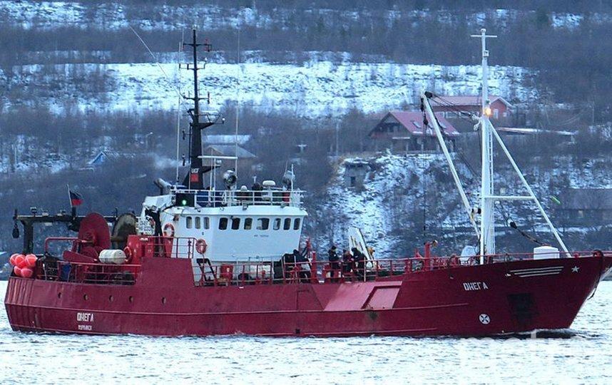 """Рыболовецкий корабль был приписан к порту Мурманск. Фото https://t.me/ENews112, """"Metro"""""""