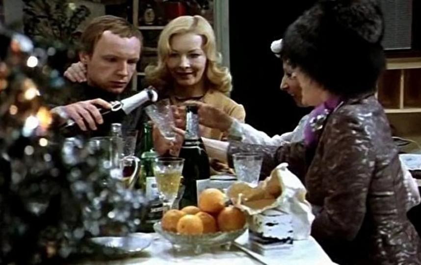 В каком порядке пить алкоголь – неважно, важно количество. Фото – скриншот видео.