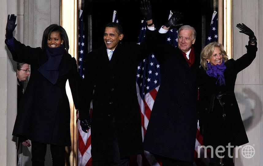 Обама с женой и Байден с супругой в 2013 году. Фото Getty
