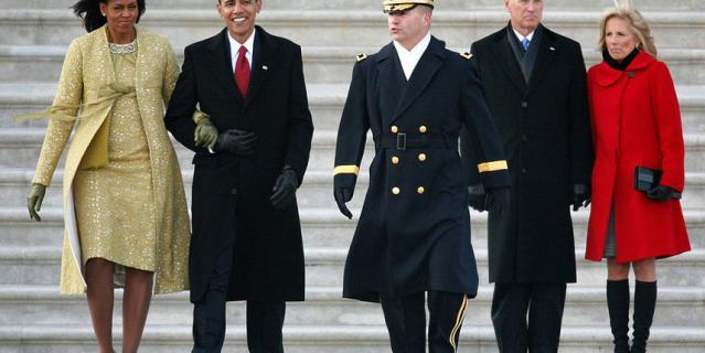 Обама с женой и Байден с супругой в 2009 году.