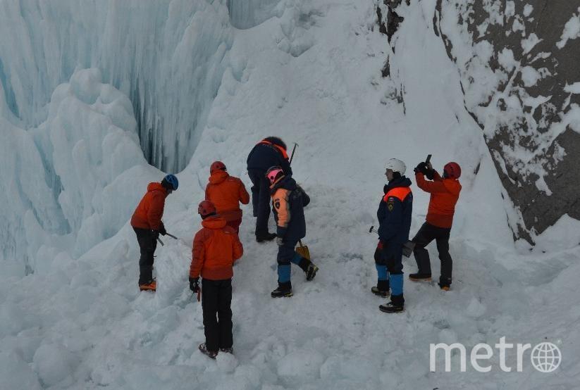 Вилючинский водопад зимой замерзает. Фото МЧС Камчатка