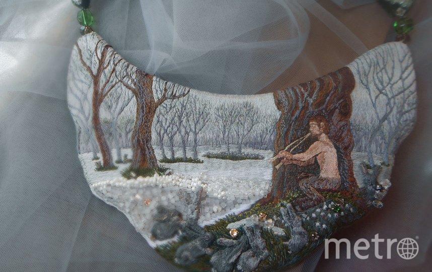 Вышитое колье. Фавн в весеннем лесу, по мотивам картины американского прерафаэлита Элиу Веддера. Фото instagram.com@etna_greensleeves