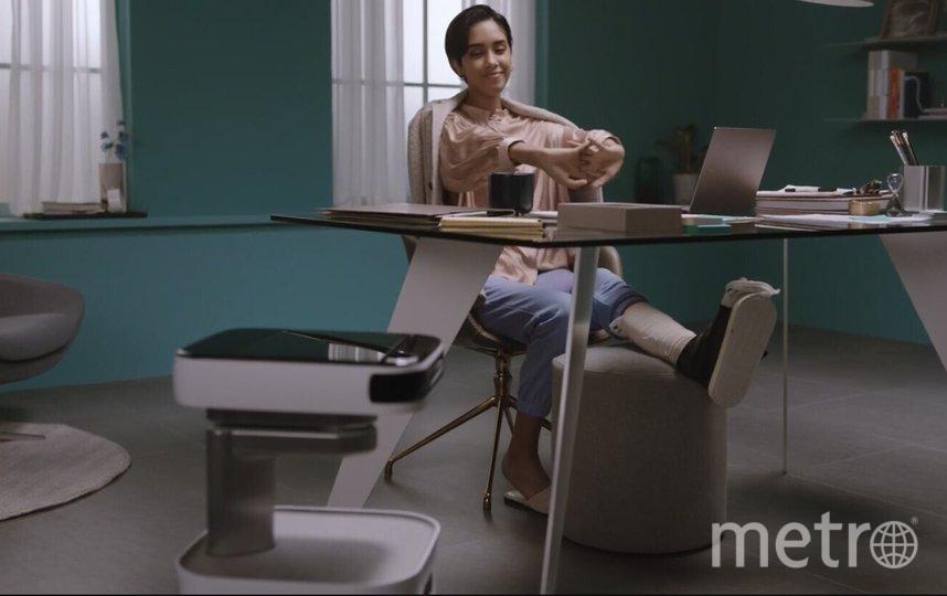 Компания LG представила экраны, которые можно скручивать. Фото скриншот из Consumer Electronics Show на youtube